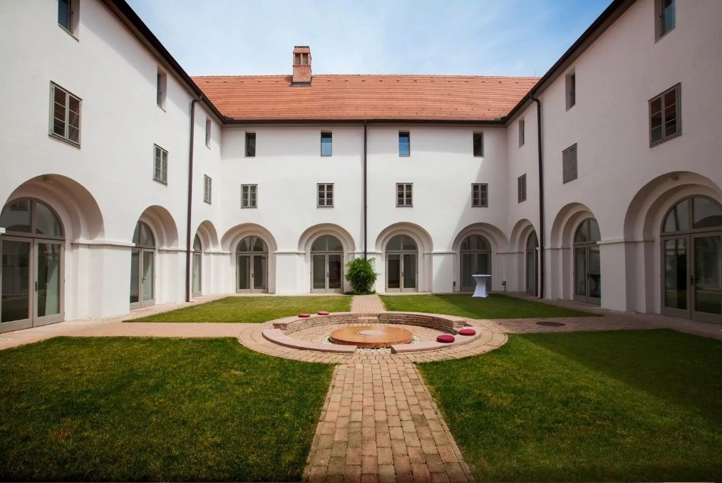 Felnőttbarát hotel - Kolostor Hotel Sopron *****