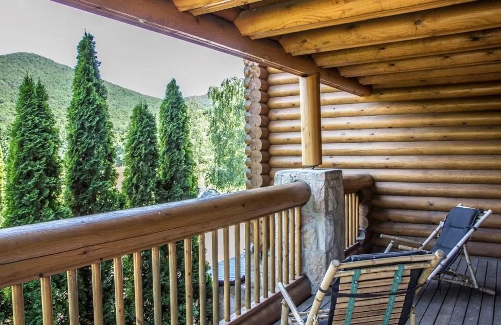 Frissítő erdei szállás kavalkád a nyári hőségben – Top 10 szállástipp!