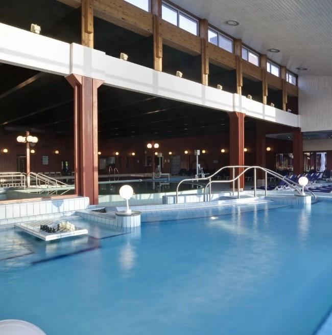 Bükfürdő, hotel, gyógyvizes medence