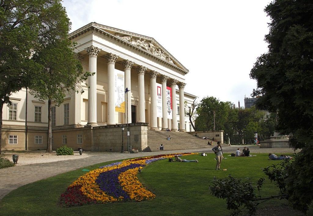 tortenelmi-latnivalok-marcius-15-re-magyar-nemzeti-muzeum
