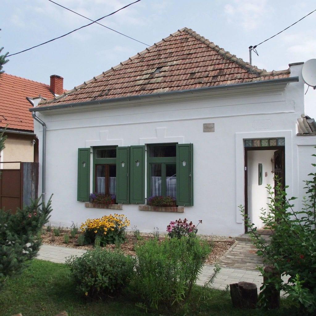 10 romantikus parasztház-Égkőris Vendégház Bakonyszücs