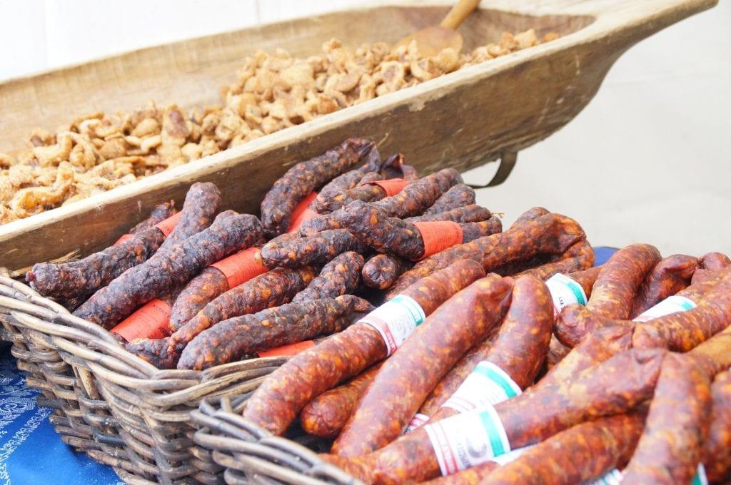Szoboszlói Toros Napok - rengeteg disznótoros étel, kolbász, hurka