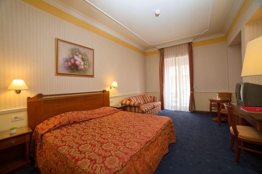 legkozelebbi_homokos_tengerpartok_hotel_gardenija_opatija
