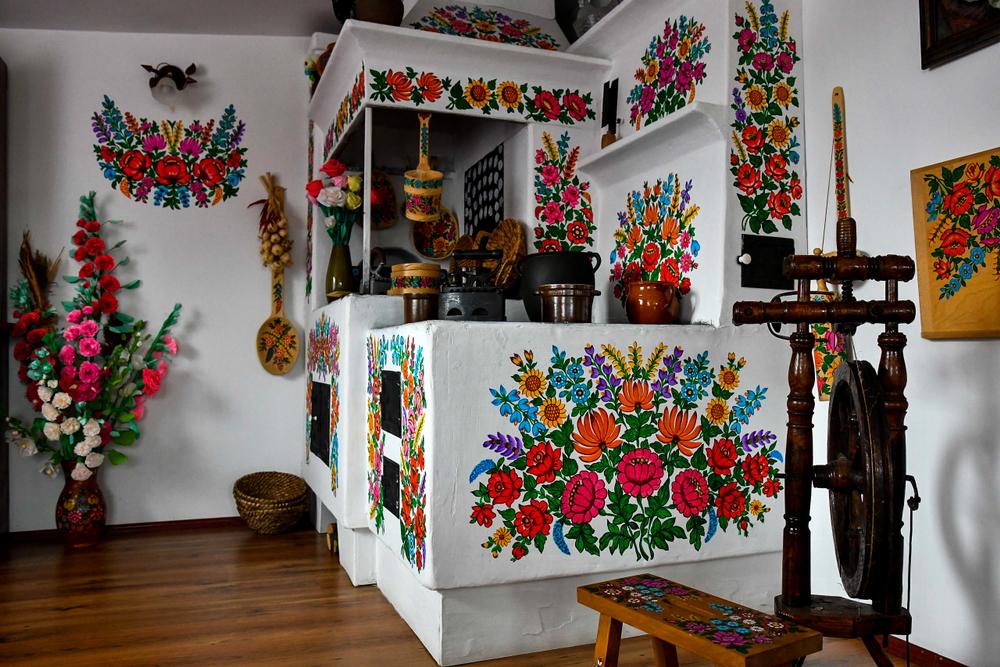 kézzel festett virágminták - zalipie