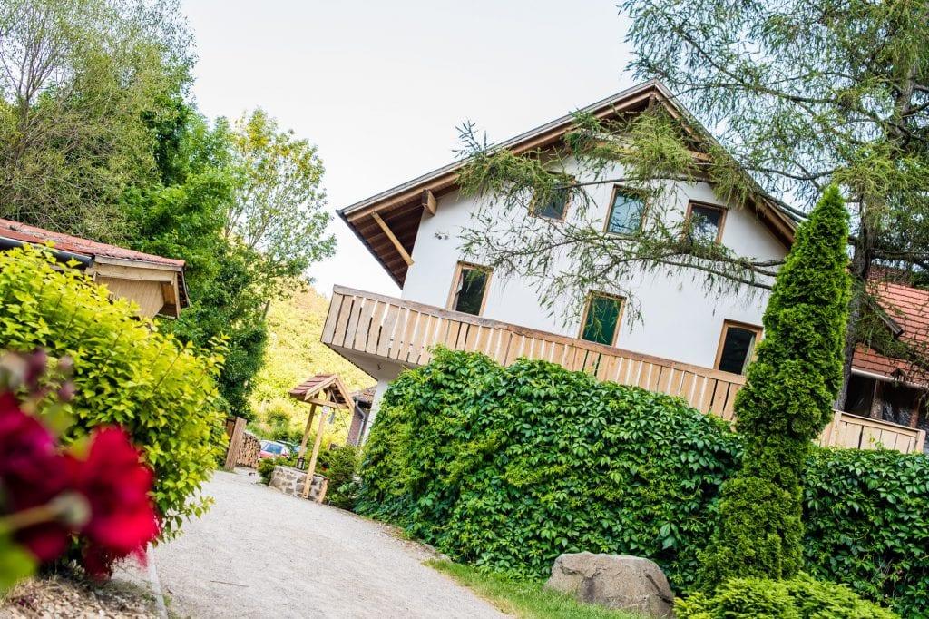 Ökoszállások: zöld vendégház a Szarvaskőn