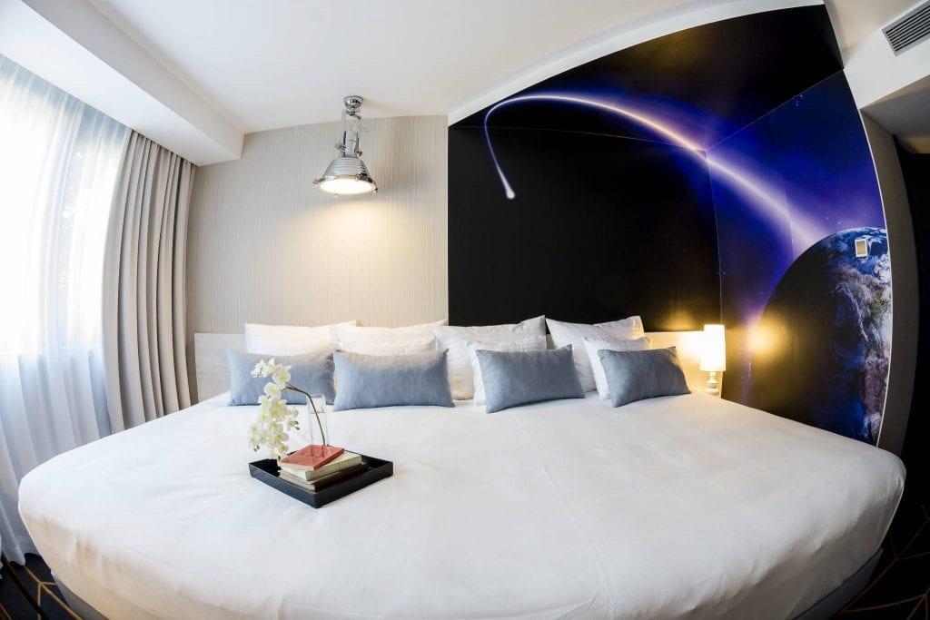 Pihenj a csillagok alatt a Science Hotelben szegeden