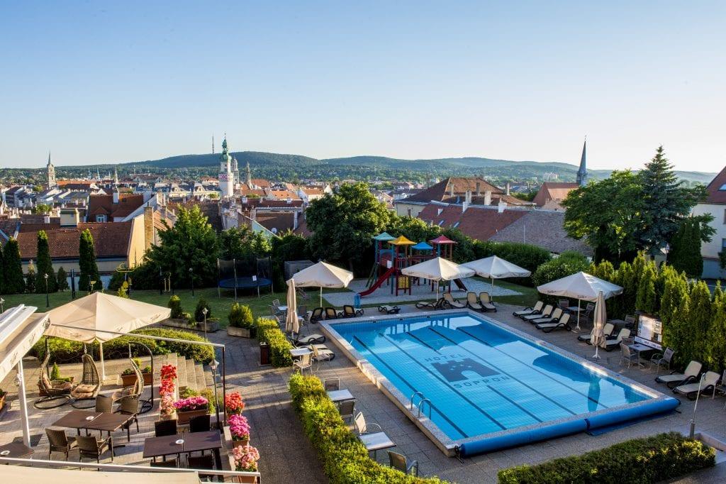 Hotel Sopron mesenyár