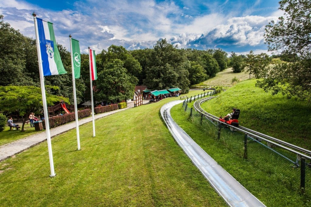 Legjobb kalandparkok Magyarországon -Visegrádi bobpálya nyári és alpesi bobbal