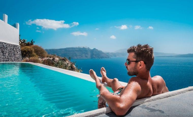 Legjobb nyári hotel medencével, ahol lehet napozni is