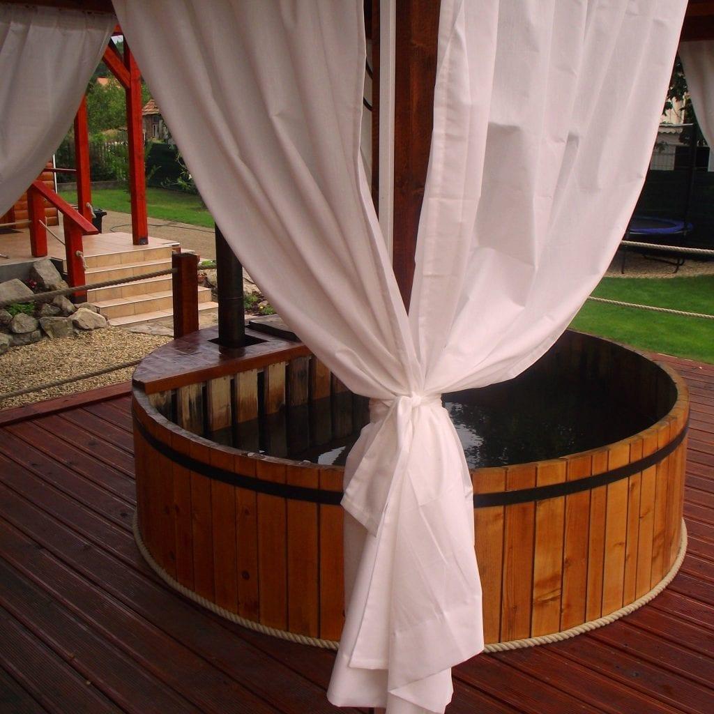 7 romantikus szállás, ahol dézsafürdő is van