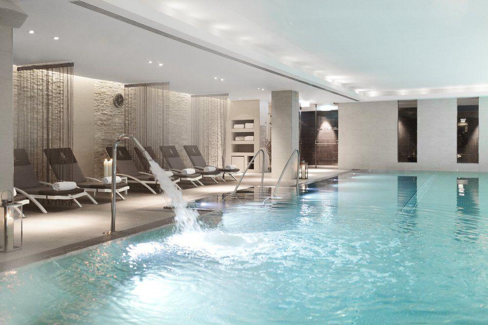 Luxusfürdők