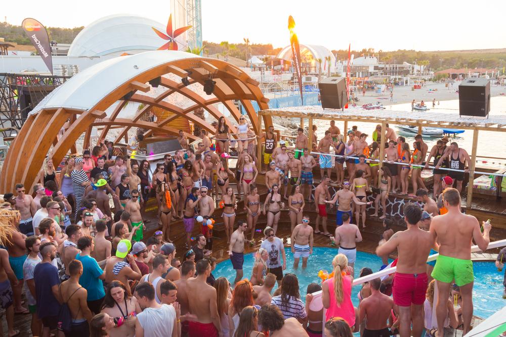 Horvátország az új Ibiza - 3 horvát party város, ha bulizni szeretnél