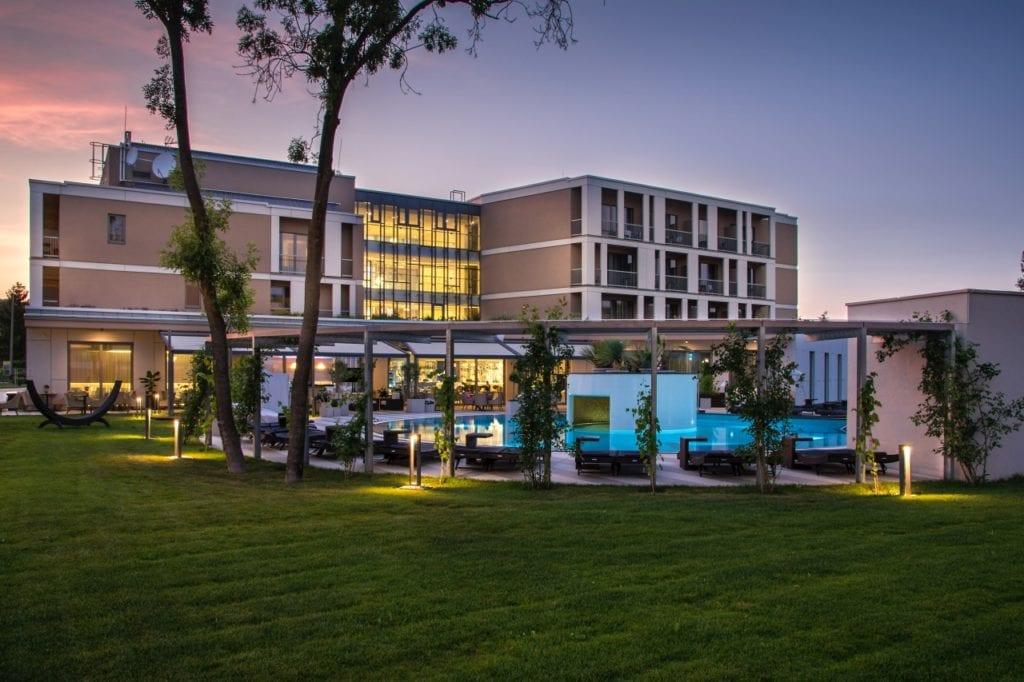 Pihentető luxus - Irány az Aura Hotel!