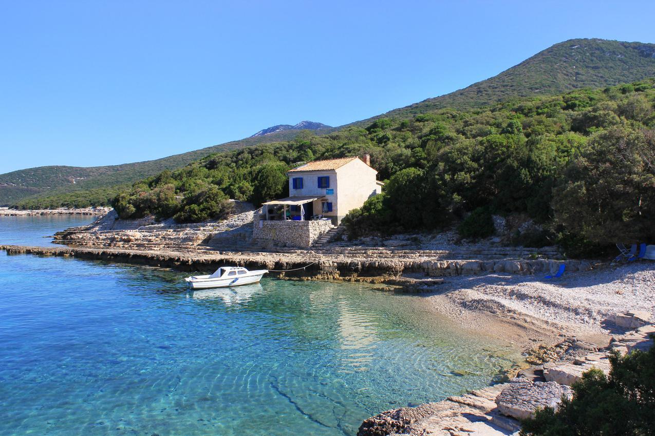Elbűvölő halászkunyhó saját kavicsos stranddal, Losinj