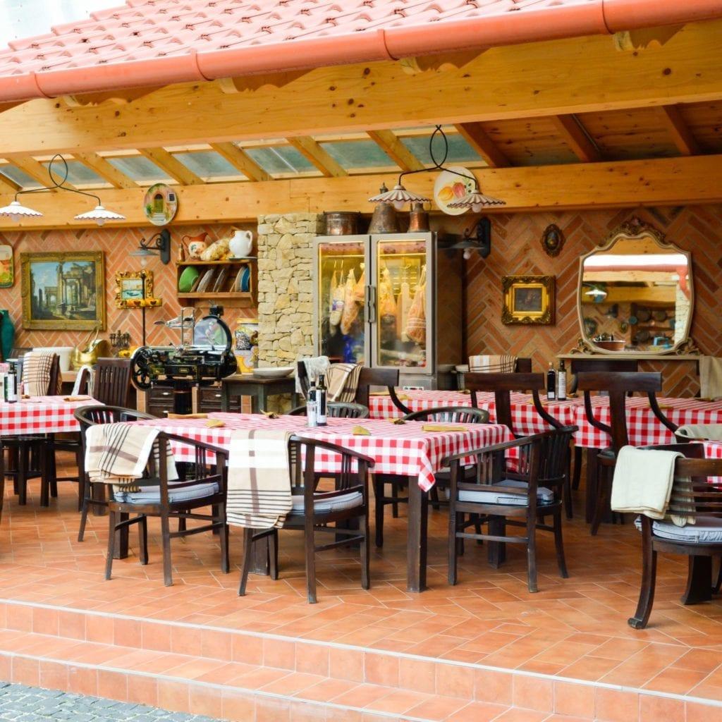 Ízutazásra csábító nyári éttermek
