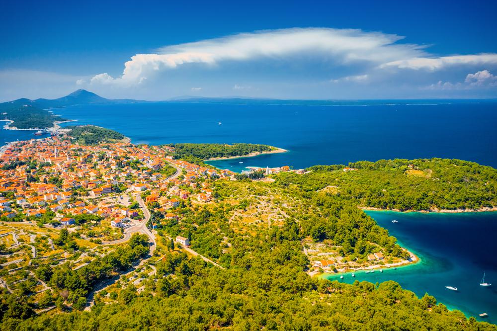 Delfinek, festői strandok, gyógyító klíma – vár Losinj sziget megannyi csodája