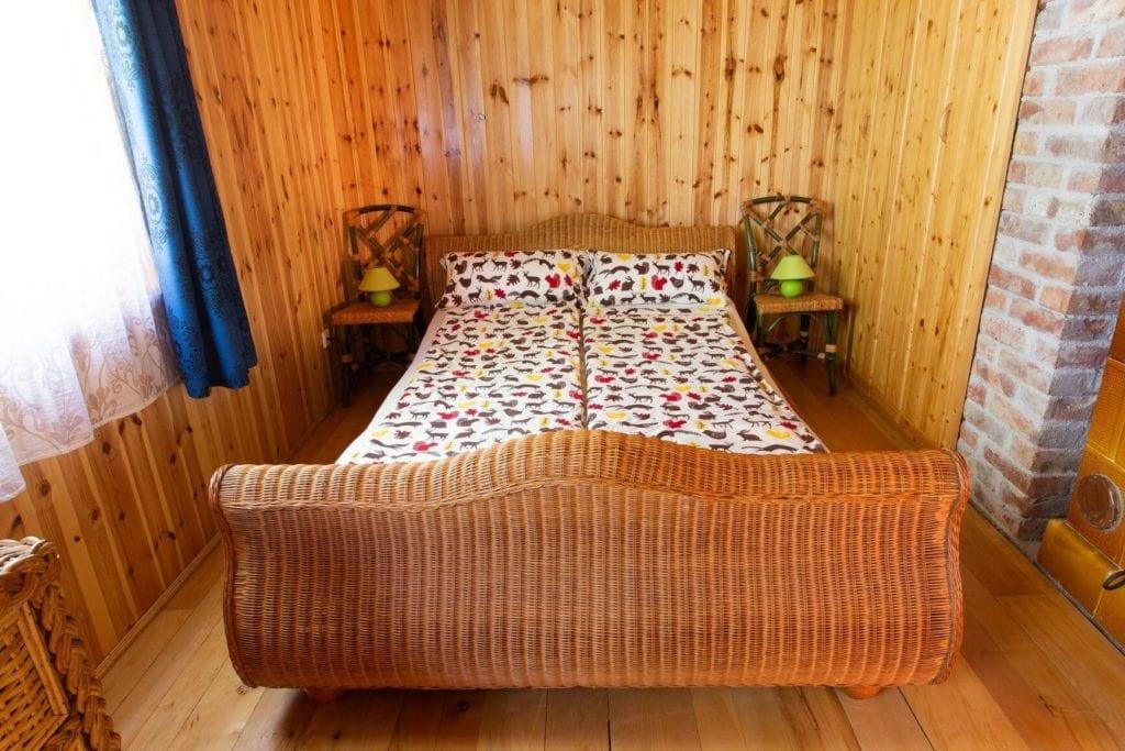 erdei házikók romantikus pihenéshez