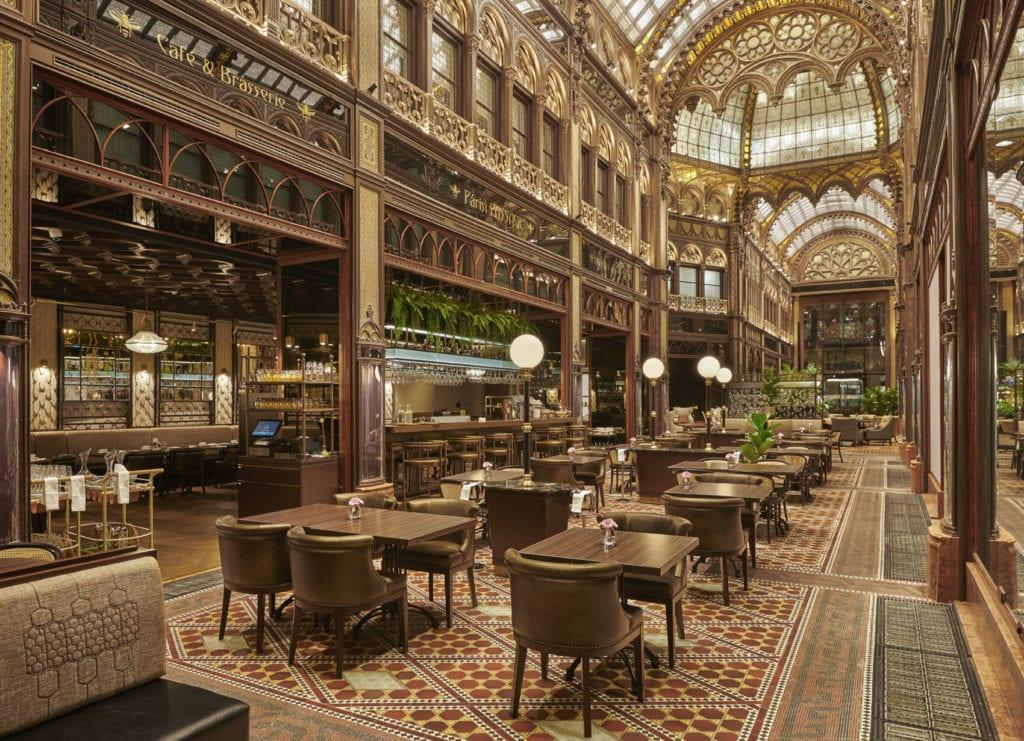 Párisi Udvar Hotel Budapest – Modern meseország üvegből, rézből és luxusból