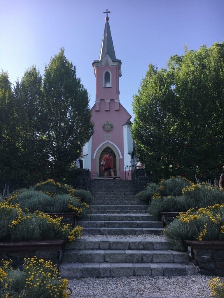 A legszínesebb helyek Magyarországon, amik a legszürkébb napba is képesek vidámságot csempészni