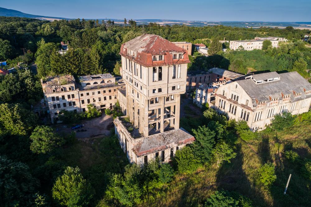 Szellemkastélytól a bakonyi szovjet laktanyáig: 5 lélegzetelállító, elhagyatott hely