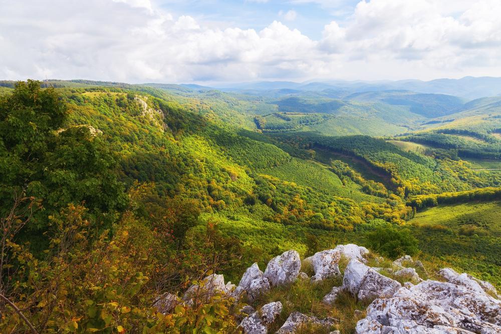 Pihenés a felhők felett – Csúcs szállások Magyarország legmagasabb pontjain