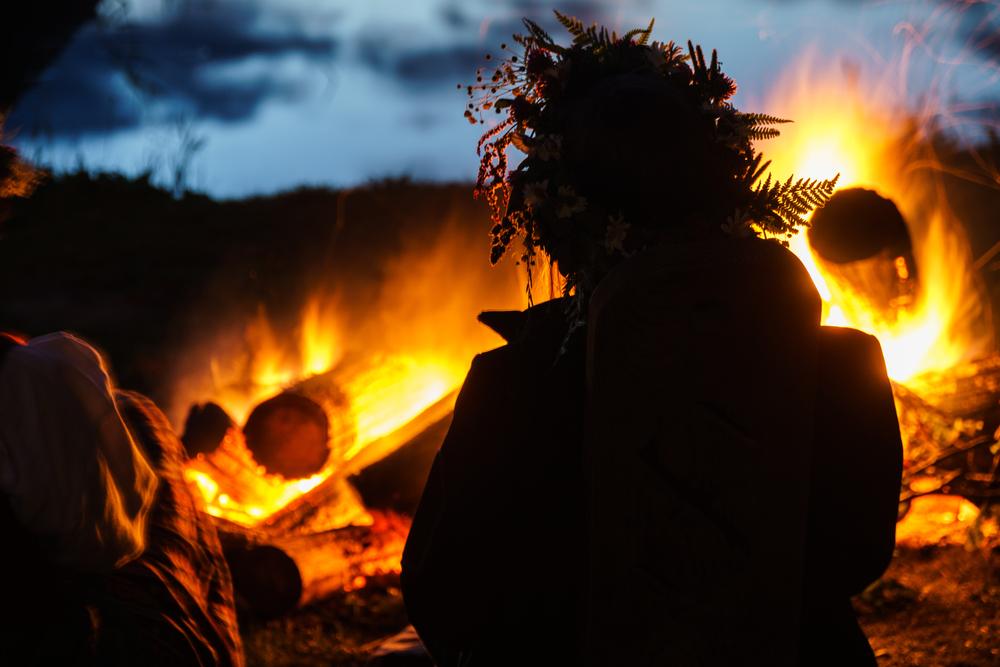 Szent Iván éj, a varázslatos nyári éjszaka – Tüzes programok és szentjánosbogár leshelyek