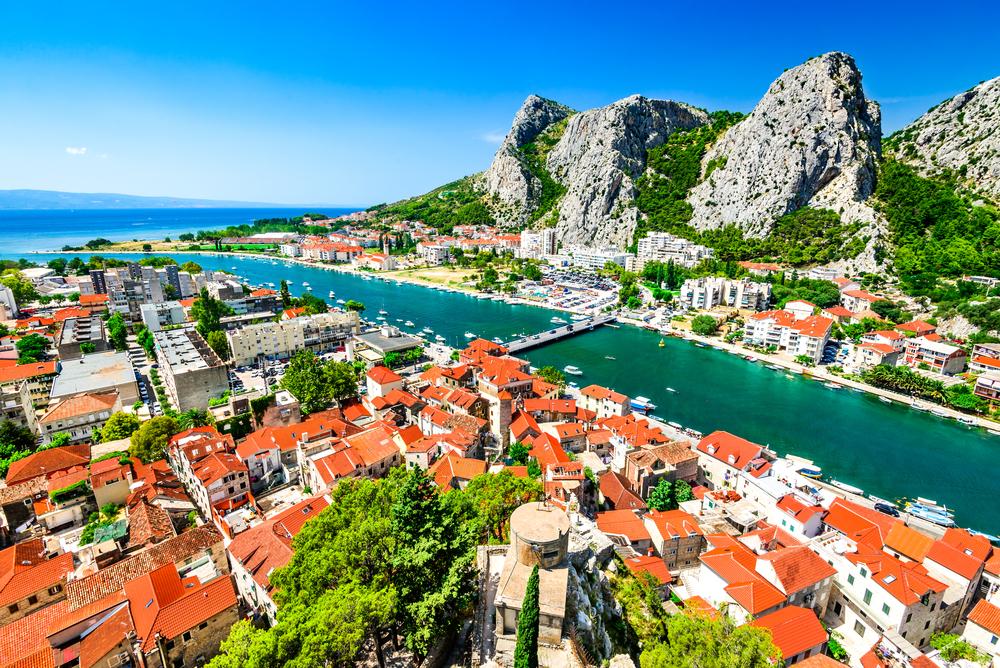 Természeti csoda az Adria partján – Omis látnivalók