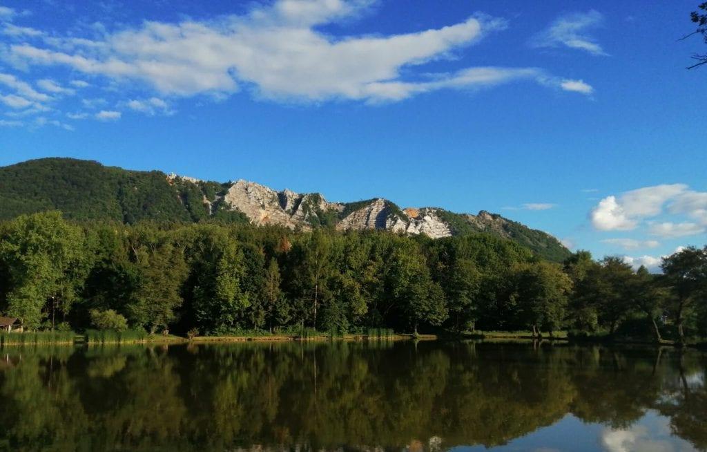 Vadregényes magyar sziklaparadicsom: Bélkő-hegy és tanösvény
