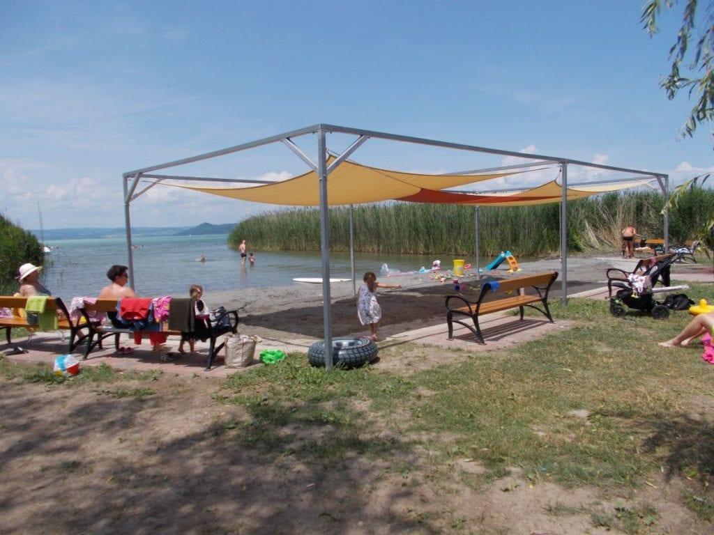 Nagy Balatoni Strand Körkép