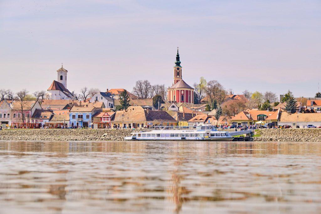 A legjobb hajós kirándulások a Dunakanyarban – Utazz napijeggyel és spórolj!
