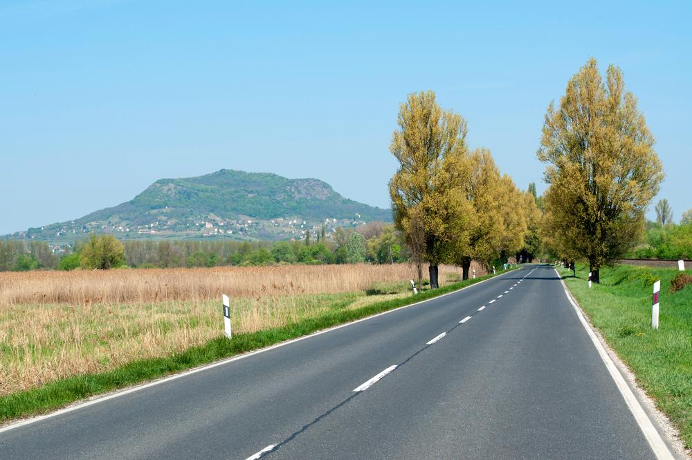 Magyarország legszebb autós útvonalai – kanyargós szerpentinek és off road élménytúrák