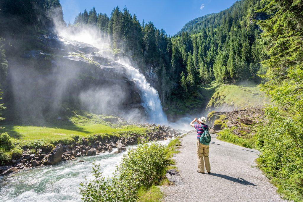 Varázshegytől Európa legmagasabb zuhatagáig: 3 őszi túra Ausztria legszebb hegyvidékein