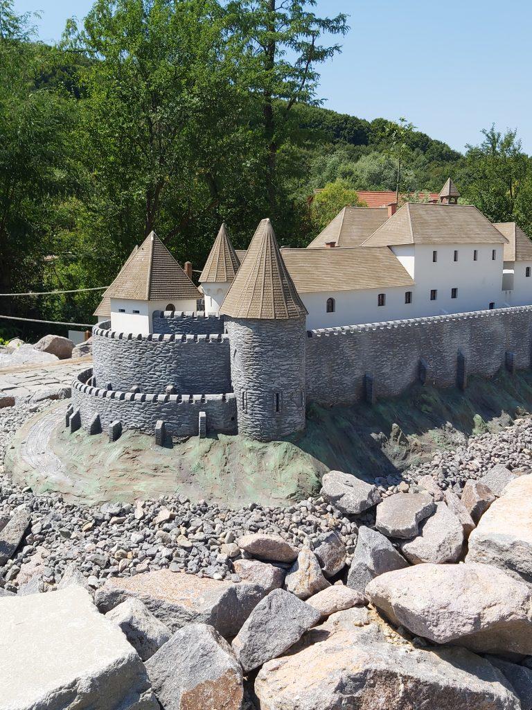 Látogasd meg Erdély kastélyait egy nap alatt! – Mini Erdély Park