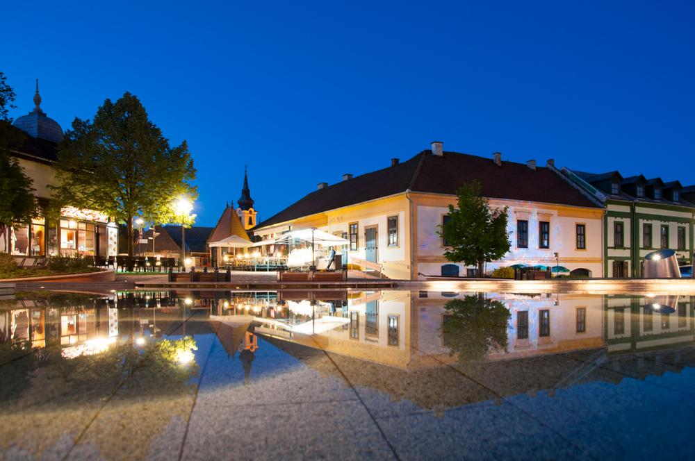Corvin Hotel Gyula - teljesen megújulva vár Magyarország legromantikusabb szállodája!